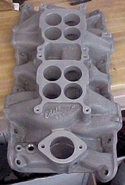 Edelbrock D66 Chrysler 273 LA V8 intake manifold