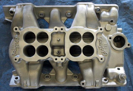 Edelbrock P22 Pontiac V8 intake manifold