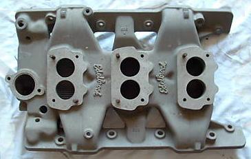 Edelbrock P303 Pontiac V8 intake manifold