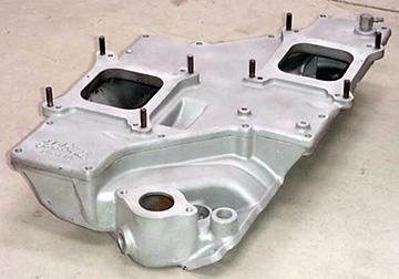 Edelbrock STR-10 Chevrolet small block V8 intake manifold